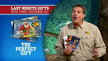 Bass Pro Shops Christmas Sale TV Spot, 'Gifts: Slippers and Fryers' - Thumbnail 6