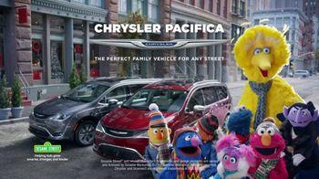 Chrysler Big Finish TV Spot, 'Smart Cookie' [T1] - Thumbnail 10