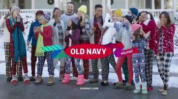 Old Navy TV Spot, 'Villancicos en pijamas y regalos' [Spanish] - Thumbnail 6