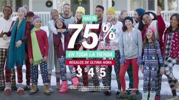 Old Navy TV Spot, 'Villancicos en pijamas y regalos' [Spanish] - Thumbnail 5