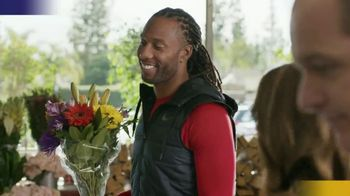 Capital One Quicksilver VISA TV Spot, 'Tap to Pay' Feat. Larry Fitzgerald - Thumbnail 1
