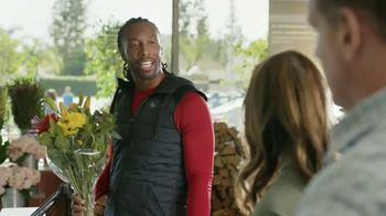 Capital One Quicksilver VISA TV Spot, 'Tap to Pay' Feat. Larry Fitzgerald - Thumbnail 3