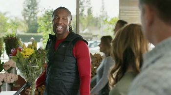 Capital One Quicksilver VISA TV Spot, 'Tap to Pay' Feat. Larry Fitzgerald - Thumbnail 4