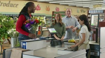 Capital One Quicksilver VISA TV Spot, 'Tap to Pay' Feat. Larry Fitzgerald - Thumbnail 8