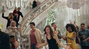 Old Navy TV Spot, 'Do The HOLIYAY Dance: 75 Percent Off' Song by Justice - Thumbnail 3