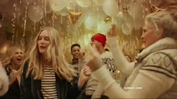 Old Navy TV Spot, 'Do The HOLIYAY Dance: 75 Percent Off' Song by Justice - Thumbnail 5