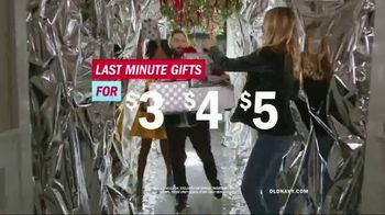 Old Navy TV Spot, 'Do The HOLIYAY Dance: 75 Percent Off' Song by Justice - Thumbnail 9