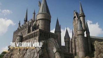 Syfy Wizarding World of Harry Potter Sweepstakes TV Spot, 'Holiday Trip' - Thumbnail 3