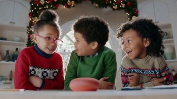 Google Home TV Spot, 'Call the North Pole' - Thumbnail 7