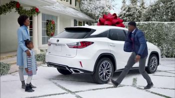 Lexus December to Remember Sales Event TV Spot, 'Stunned: 2018 NX 300 AWD' [T2] - Thumbnail 2