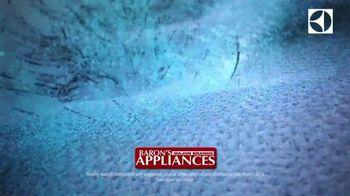 Electrolux SmartBoost Washer TV Spot, 'Secret to Looking Flawless: $100 Back & BOGO' - Thumbnail 6