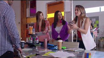 Western Union App TV Spot, '¡Erika de la Vega se las sabe!' [Spanish] - Thumbnail 6