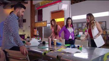 Western Union App TV Spot, '¡Erika de la Vega se las sabe!' [Spanish] - Thumbnail 8