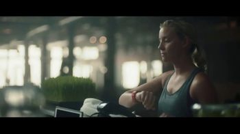 Fitbit Ionic TV Spot, 'Train Your Own Way' - Thumbnail 5