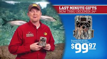 Bass Pro Shops Christmas Sale TV Spot, 'Sweaters, Game Camera & Fishfinder' - Thumbnail 5