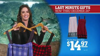 Bass Pro Shops Christmas Sale TV Spot, 'Bath Wraps, Flannel & Spin Combo'