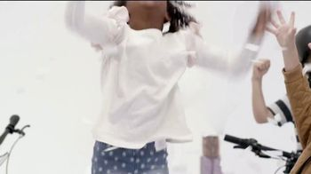 Specialized Foundation TV Spot, 'Tear Into the Holidays' - Thumbnail 7