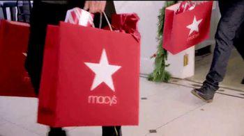 Macy's Súper Sábado TV Spot, 'Regalos de último minuto' [Spanish] - Thumbnail 2