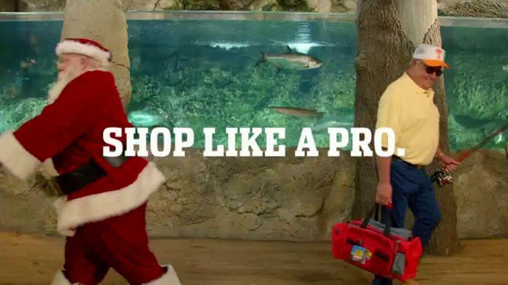 Bass Pro Shops Christmas Sale TV Commercial, 'Men's Flannels'