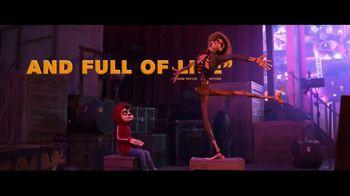 Coco - Alternate Trailer 100
