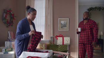Lowe's TV Spot, 'The Moment: Gift Giver' - Thumbnail 3