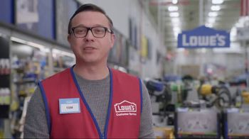 Lowe's TV Spot, 'The Moment: Gift Giver' - Thumbnail 6
