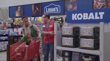 Lowe's TV Spot, 'The Moment: Gift Giver' - Thumbnail 7