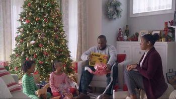 Lowe's TV Spot, 'The Moment: Gift Giver' - Thumbnail 9