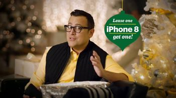 Sprint TV Spot, 'Holiday Tip: iPhone Forever' - Thumbnail 5