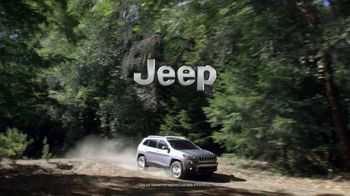 Jeep Cherokee Limited TV Spot, 'Further' Song by Imagine Dragons [T1] - Thumbnail 10