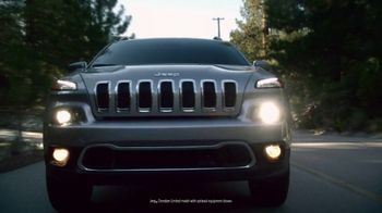 Jeep Cherokee Limited TV Spot, 'Further' Song by Imagine Dragons [T1] - Thumbnail 4