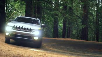 Jeep Cherokee Limited TV Spot, 'Further' Song by Imagine Dragons [T1] - Thumbnail 6