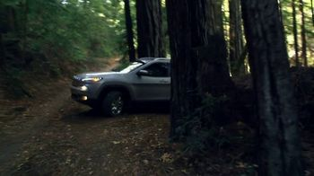 Jeep Cherokee Limited TV Spot, 'Further' Song by Imagine Dragons [T1] - Thumbnail 8