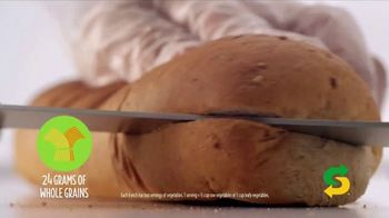 Subway Fresh Fit TV Spot, 'In With the Fresh' - Thumbnail 4