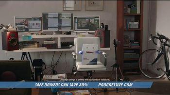 Progressive TV Spot, 'Box Vlog' - Thumbnail 1