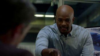 Microsoft Surface TV Spot, 'Lethal Weapon: Mike Serrano' Feat. Damon Wayans - Thumbnail 3