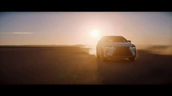 Lexus TV Spot, 'Luxury SUVs' Song by Los Tatunga [T1] - Thumbnail 9