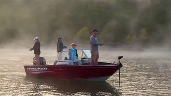 Bass Pro Shops Bring in the New Sale TV Spot, 'Boat Gift Cards' - Thumbnail 5