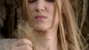 Garnier Whole Blends Honey Treasures TV Spot, 'Heal Damaged Hair' - Thumbnail 1
