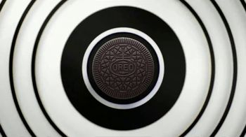 Oreo Thins TV Spot, 'Hypnotize: Bites' Song by The Notorious B.I.G. - Thumbnail 2