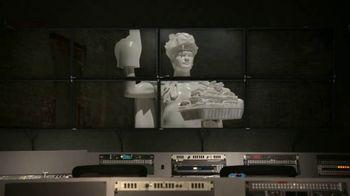 Dos Equis TV Spot, 'Christian Christoffersen' Featuring Jesse Palmer - Thumbnail 5