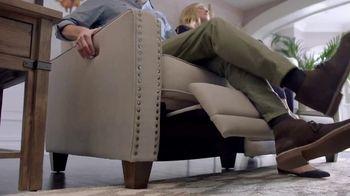 La-Z-Boy New Year Sale TV Spot, 'Duo' Featuring Brooke Shields - Thumbnail 6