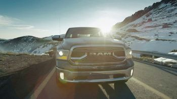 Ram Trucks TV Spot, 'Power & Efficiency: Hard Work' [Spanish] [T1] - Thumbnail 2