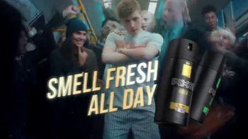 Axe Gold Body Spray TV Spot, 'Rush Hour' - Thumbnail 7