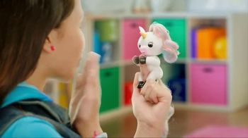 Fingerlings Unicorns TV Spot, 'Gigi the Unicorn' - Thumbnail 3