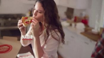 Pizza Hut TV Spot, 'La pizza de tu antojo' [Spanish] - Thumbnail 9