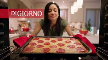 DiGiorno Crispy Pan Pizza TV Spot, 'PAN PAN PAN PAN' - Thumbnail 1
