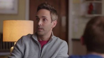 Pizza Hut 2 Medium 2-Topping Pizzas $5.99 Each TV Spot, 'Yes and Yes' - Thumbnail 5