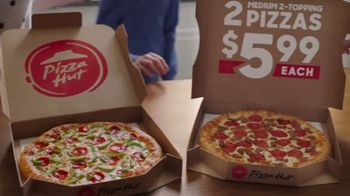 Pizza Hut 2 Medium 2-Topping Pizzas $5.99 Each TV Spot, 'Yes and Yes' - Thumbnail 6