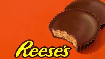 Reese's TV Spot, 'Your Eyes Want Candy' Song by Yello - Thumbnail 10